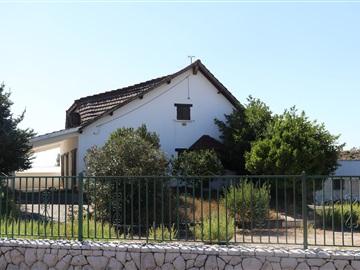 House T2 / Ourém, Nossa Senhora das Misericórdias