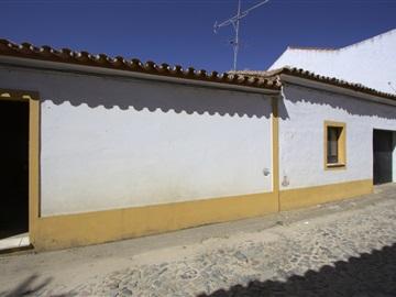 House T2 / Reguengos de Monsaraz, Corval