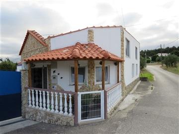House T2 / Rio Maior, Asseiceira