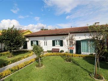 House T3 / Barcelos, Silva