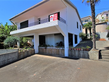 House T3 / Funchal, Monte