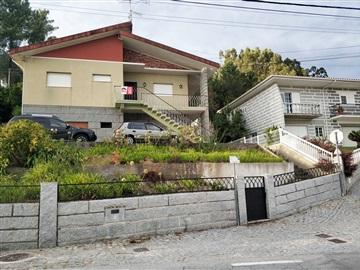 House T3 / Marco de Canaveses, Sande e São Lourenço