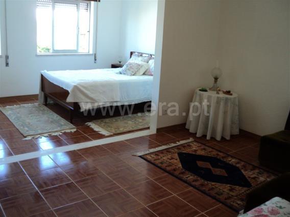 House T3 / Moita, Zona 2 - Chão Duro, Carvalhinho, Penteado e Alto S