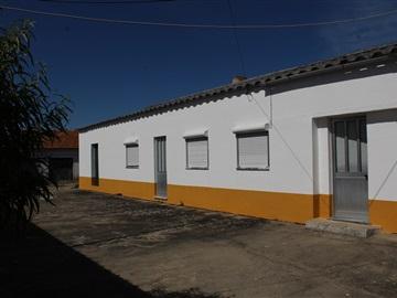 House T3 / Torres Novas, Torres Novas (Santa Maria, Salvador e Santiago)
