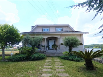 House T3 / Vila Nova de Gaia, Sandim, Olival, Lever e Crestuma