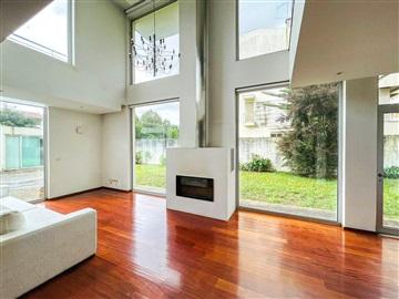 House T4 / Braga, Makro