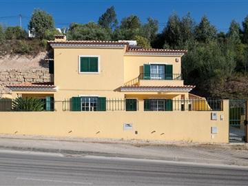 House T4 / Mafra, Venda do Pinheiro