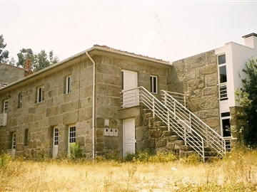 House T4 / Penafiel, Galegos