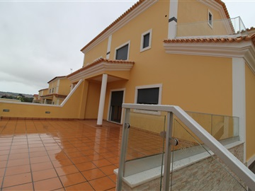 House T4 / Sintra, Albarraque
