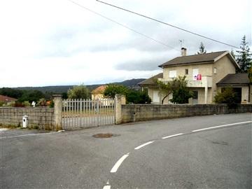 House T4 / Viseu, Côta