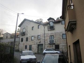 House T5 / Paredes, Paredes
