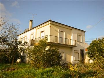 House T6 / Santarém, Santarém (Marvila), Santa Iria da Ribeira de Santarém, Santarém (São Salvador) e Santarém (São Nicolau)
