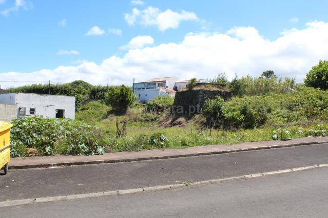 Lot / Ponta Delgada, Capelas