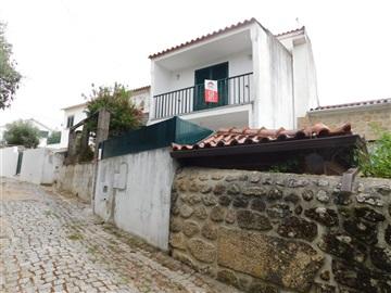 Maison dans village T3 / Fundão, Póvoa da Atalaia