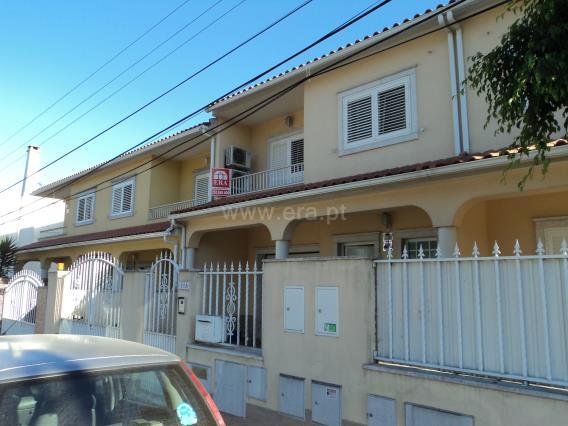 Maison dans village T4 / Seixal, Pinhal de Frades