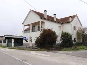 Maison individuelle T3 / Ourém, Freixianda, Ribeira do Fárrio e Formigais