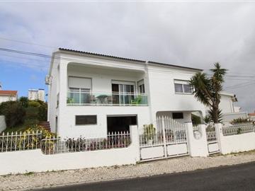 Maison individuelle T3 / Torres Vedras, Torres Vedras (São Pedro, Santiago, Santa Maria do Castelo e São Miguel) e Matacães