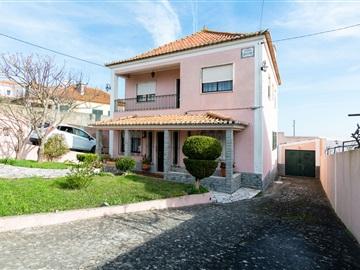 Maison individuelle T4 / Loures, Montemor