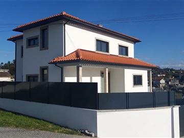 Maison individuelle T4 / Viseu, Povolide