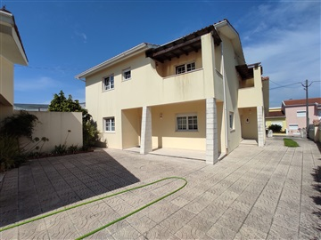 Maison individuelle T5 / Cantanhede, Febres
