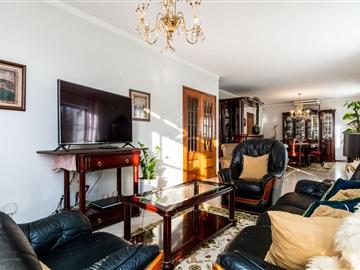 Maison individuelle T5 / Loures, Fanqueiro