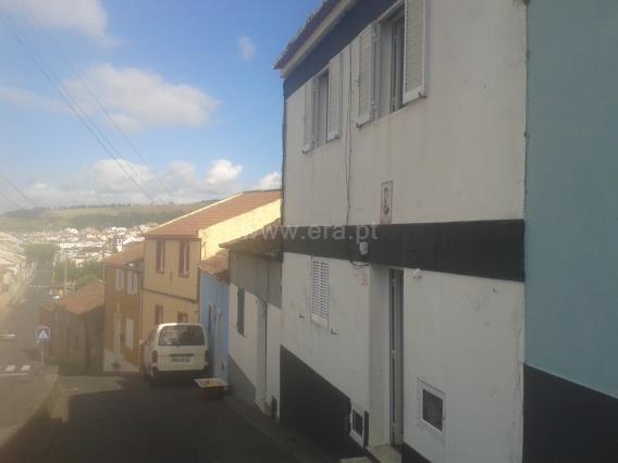 Maison jumelée T4 / Lagoa (São Miguel), Água de Pau