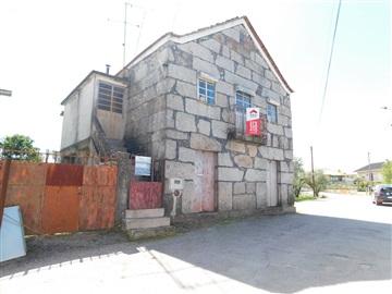 Maison T2 / Seia, Tourais
