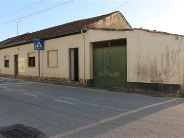 Moradia em Banda T4 / Coimbra, Antanhol