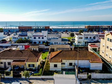 Moradia Geminada / Almada, Costa de Caparica