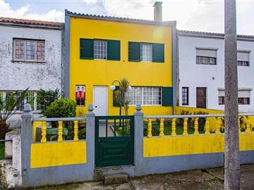 Moradia Geminada T4 / Ponta Delgada, Rosto do Cão (Livramento)