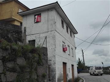 Moradia Isolada T2 / Castelo de Paiva, Fornos