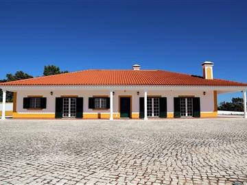 Moradia Isolada T3 / Alcanena, Malhou, Louriceira e Espinheiro