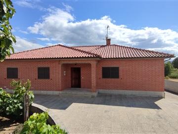 Moradia Isolada T3 / Chaves, Vale de Anta