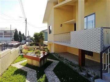 Moradia Isolada T3 / Santa Maria da Feira, Paços de Brandão