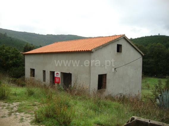 Moradia T2 / Oleiros, Oleiros