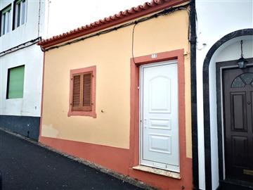 Moradia T2 / Ponta Delgada, Ponta Delgada (São Pedro)