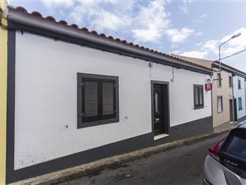 Moradia T2 / Ponta Delgada, Rosto do Cão (Livramento)