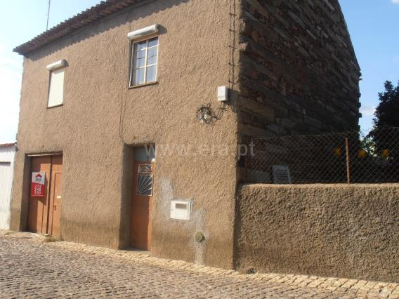 Moradia T3 / Castelo Branco, Retaxo