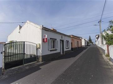 Moradia T3 / Ponta Delgada, Mosteiros