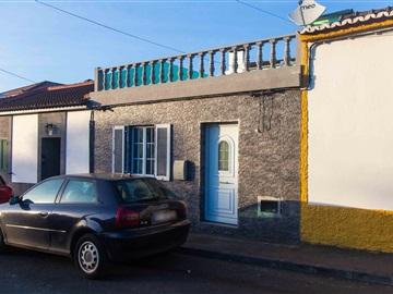 Moradia T4 / Ponta Delgada, Rosto do Cão (Livramento)