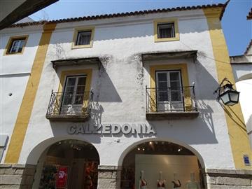 Moradia T5 / Évora, Évora (São Mamede, Sé, São Pedro e Santo Antão)