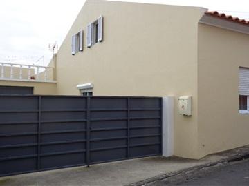 Semi-detached house T1 / Ponta Delgada, Arrifes