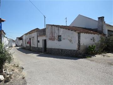 Semi-detached house T2 / Rio Maior, Quintas
