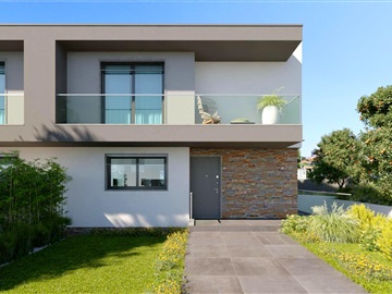 Semi-detached house T3 / Cascais, Penedo