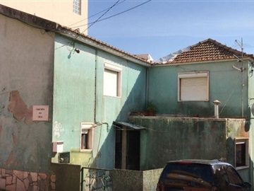 Semi-detached house T4 / Mafra, Malveira