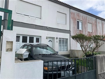 Semi-detached house T4 / Ponta Delgada, Ponta Delgada (São Pedro)