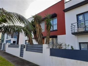 Semi-detached house T4 / Ribeira Grande, Ribeira Grande (Conceição)