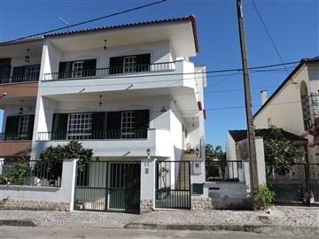 Semi-detached house T4 / Seixal, Vale de Milhaços