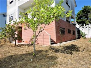 Semi-detached house T6 / Almada, Quinta do Chiado