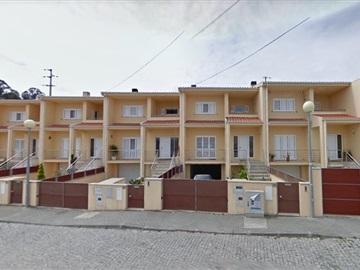 Terraced house T3 / Santa Maria da Feira, Caldas S. Jorge / Guisande